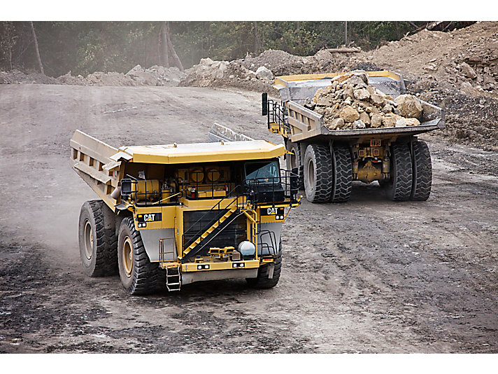 Caterpillar Haul truck 785 off road dump truck image