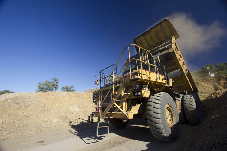 iMINCO mining information, dump truck training tipper truck
