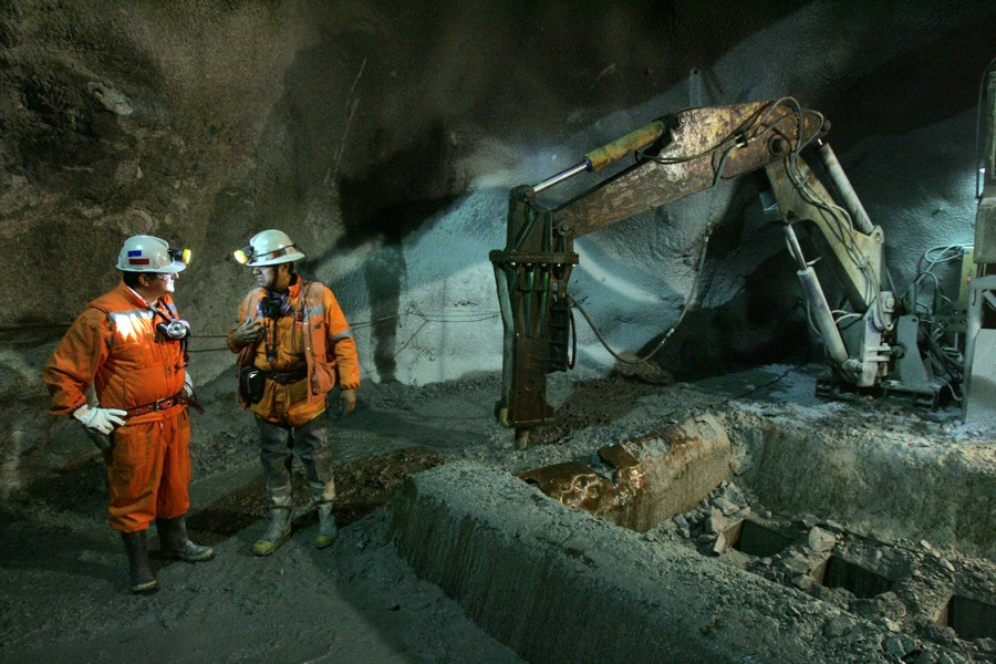 Underground Diamond Driller mining Perth WA