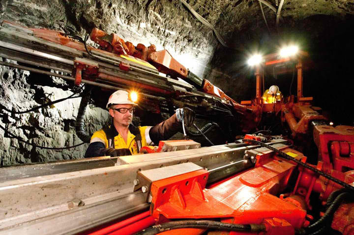 Long wall Underground Fitters Grosvenor Mine Mackay QLD