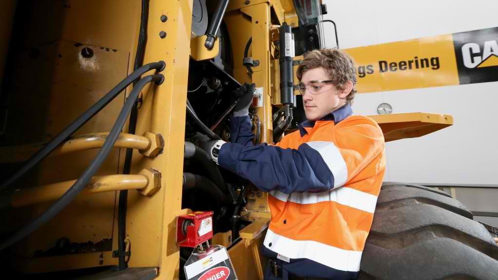 Heavy Duty Fitters Servicepersons CAT Komatsu Hitachi WA