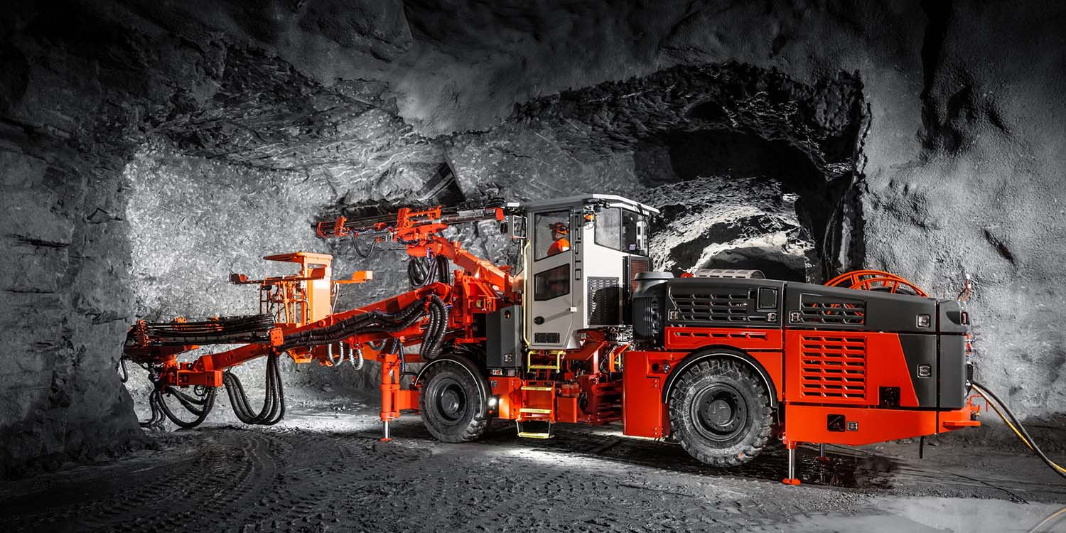 Drill Rig Heavy Duty Fitters Surface Underground Mining WA-iMINCO.net Mining Information