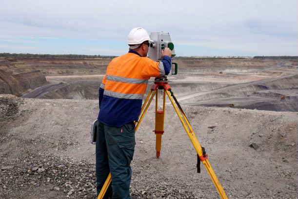 Mine Surveyor Meandu Mining Project Kingaroy Brisbane