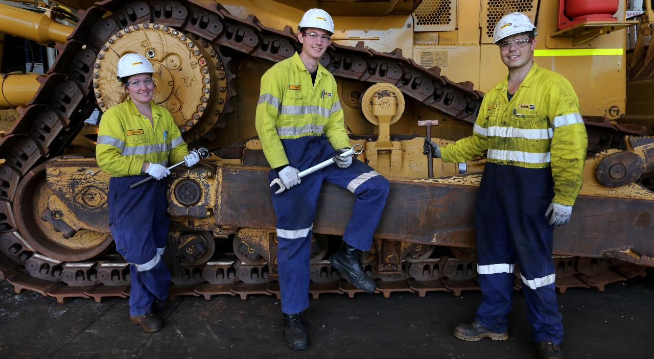 Drill HD Fitters FIFO Pilbara Terex CAT Heavy Mobile Plant