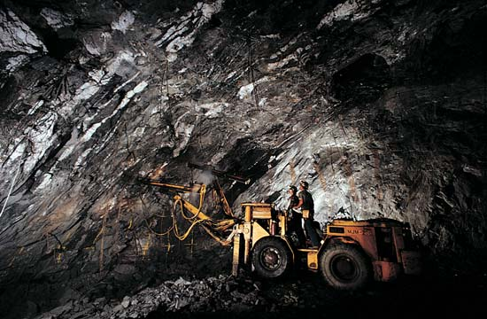 Underground Mining Mechanical Fitter maintenance QLD-iMINCO.net Mining Information