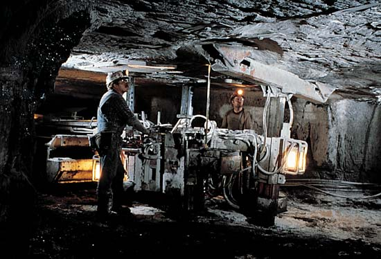 Underground Fitters Electricians Coal Mining Central QLD