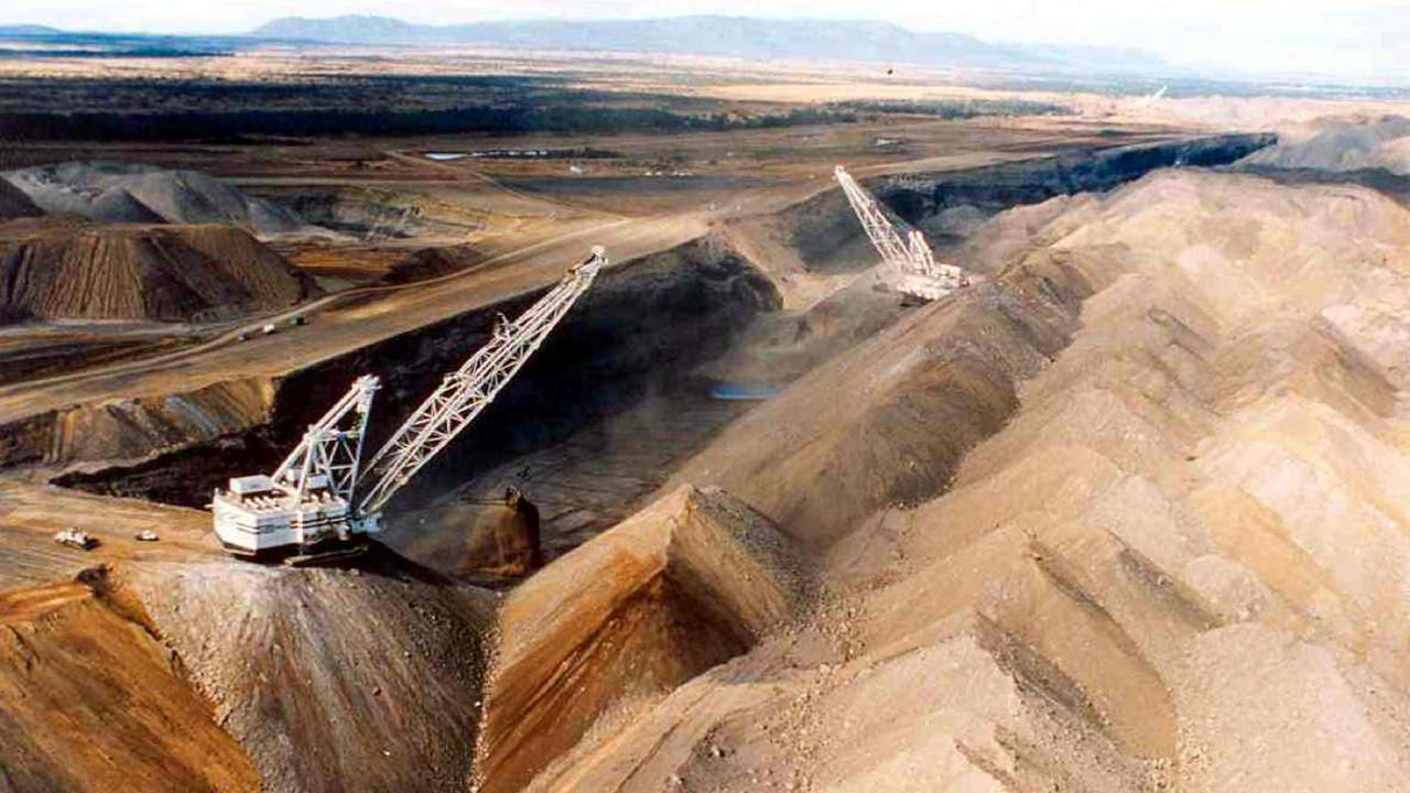 Single Skilled Haul Truck Operators Coal Mining Curragh Bowen Basin-iMINCO.net Mining Information