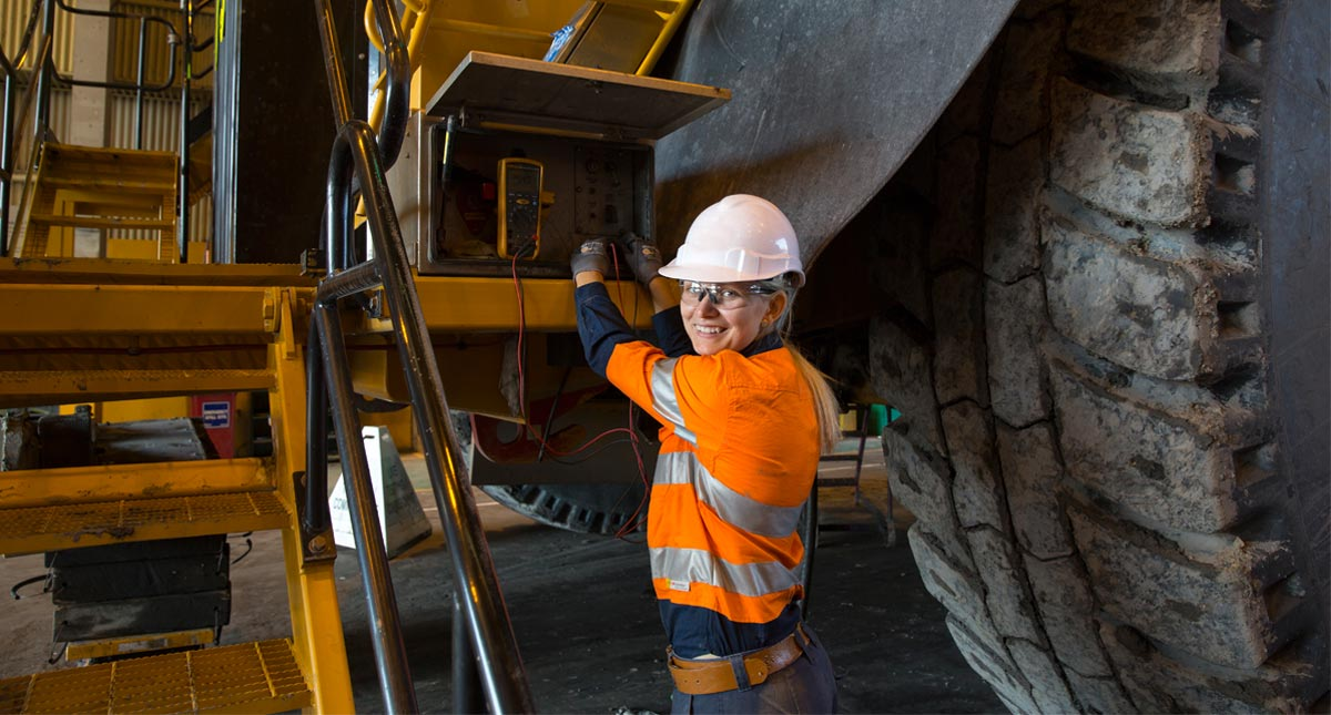 Heavy Duty Diesel Fitter Mining job Diggers & Drills Port Hedland-iMINCO.net Mining Information