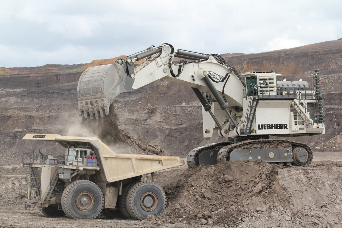 Mobile Plant Excavator Operator Peak Downs Mine QLD